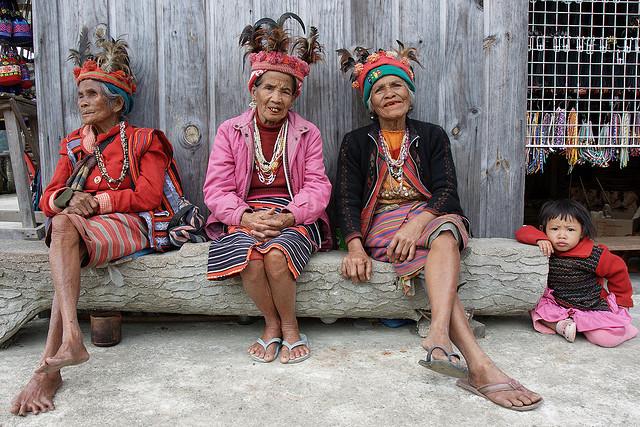 gamle stammekvinder i banau