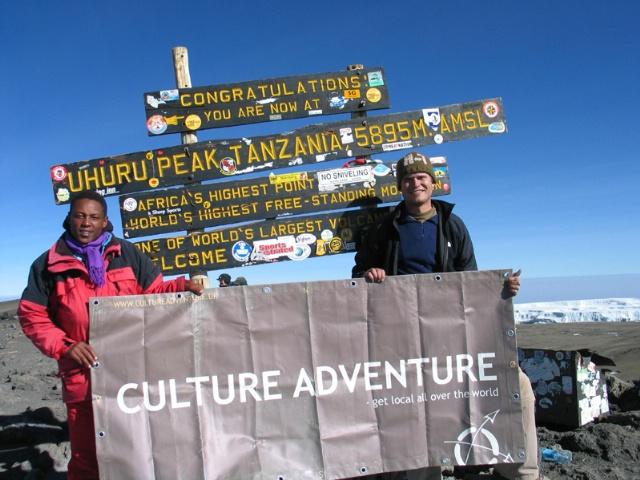 Culture Adventure på toppen af Kilimanjaro