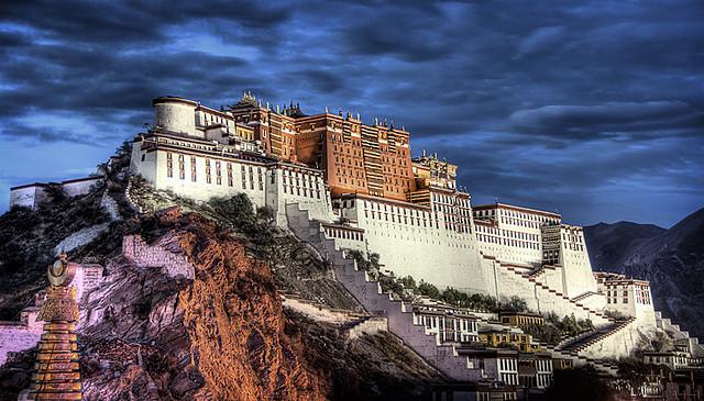 potala paladset i Lhasa