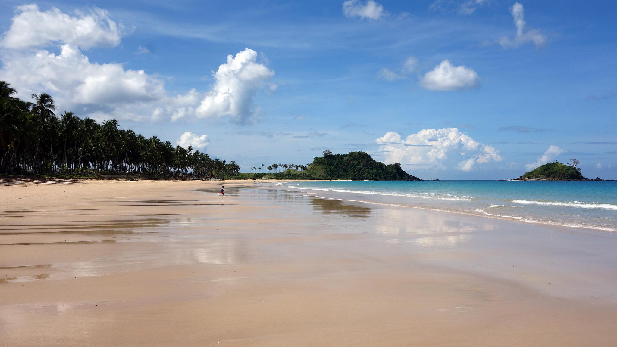 Øde strand på El Nido